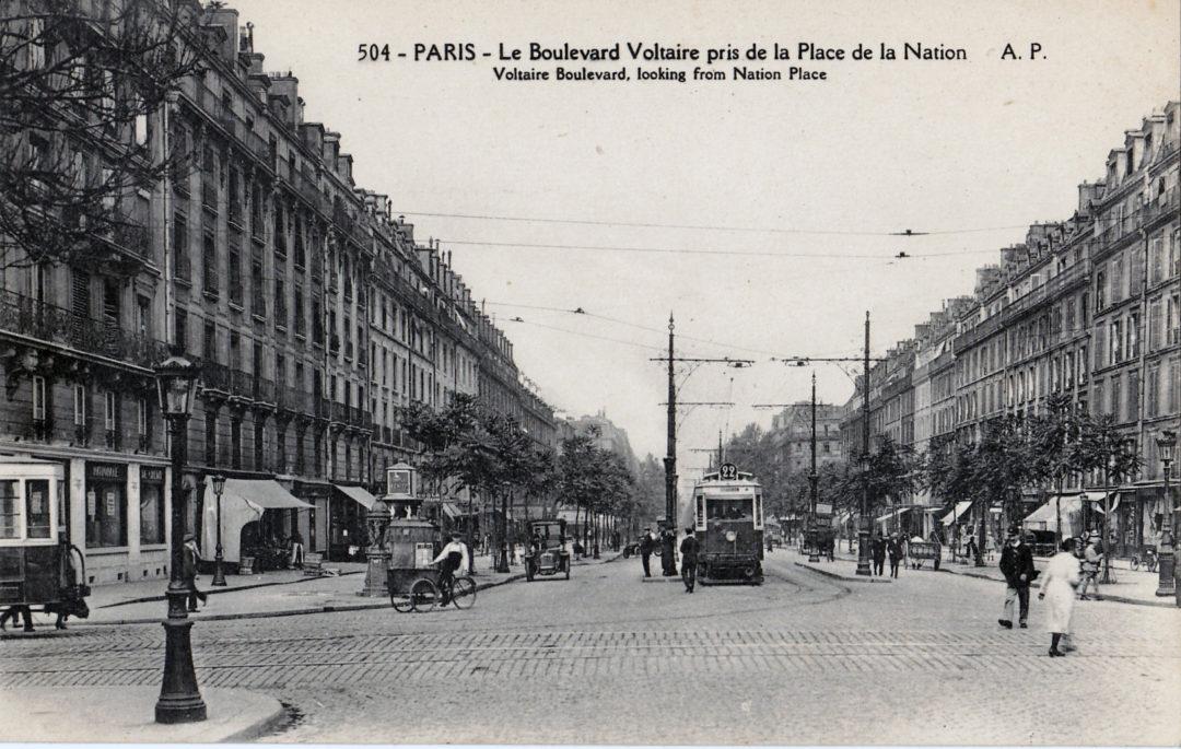 ebykr-AP_504_-_PARIS_-_Le_Boulevard_Voltaire_pris_de_la_Place_de_la_Nation-1920s