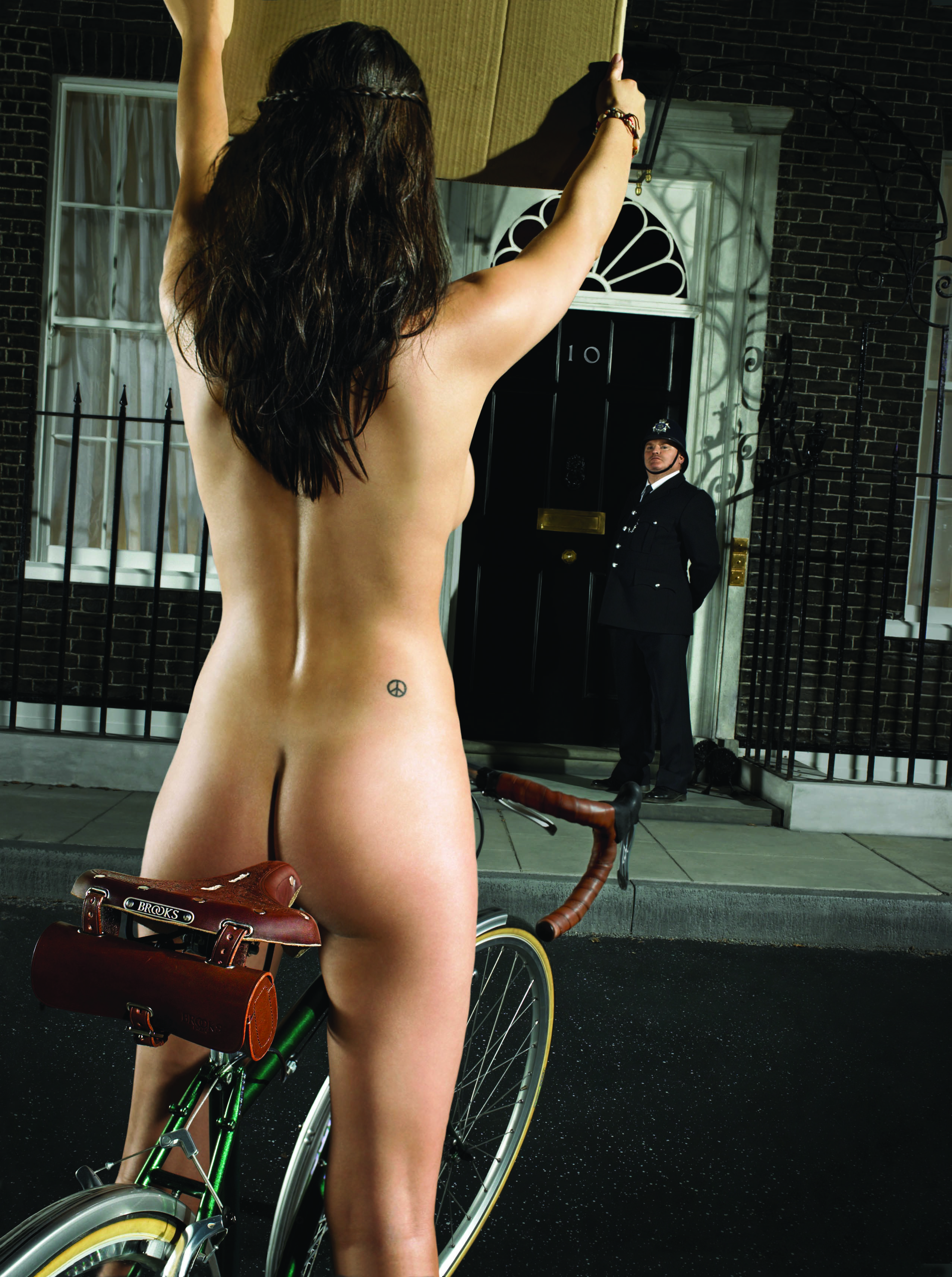 ebykr-brooks-made-in-downing-street-sexy-advertisement